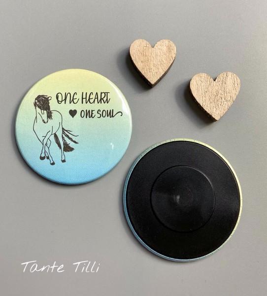Button Kühlschrank Magnet - One Heart one Soul grün