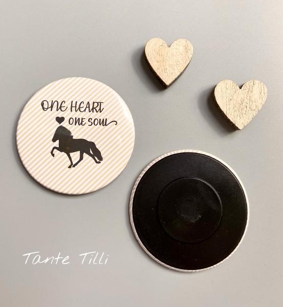 Button Kühlschrank Magnet - One Heart one Soul feine Linien