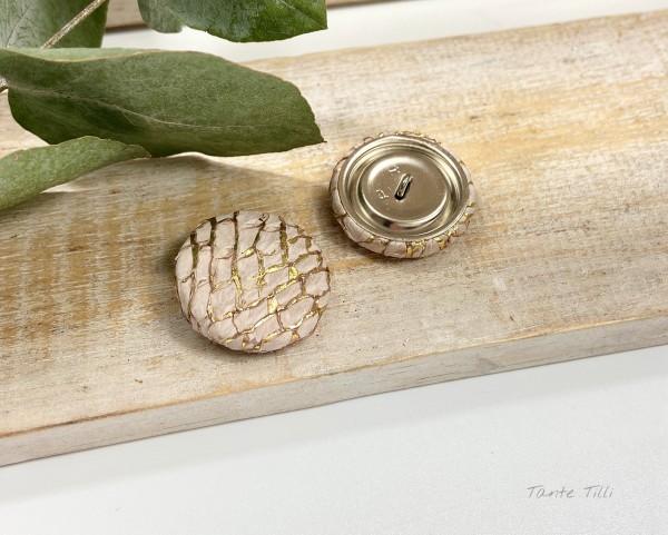 Handgefertigter Knopf softrosa gold 23 mm aus Fischleder