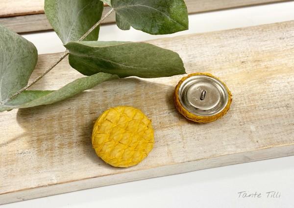 Handgefertigter Knopf senfgelb 23 mm aus Fischleder