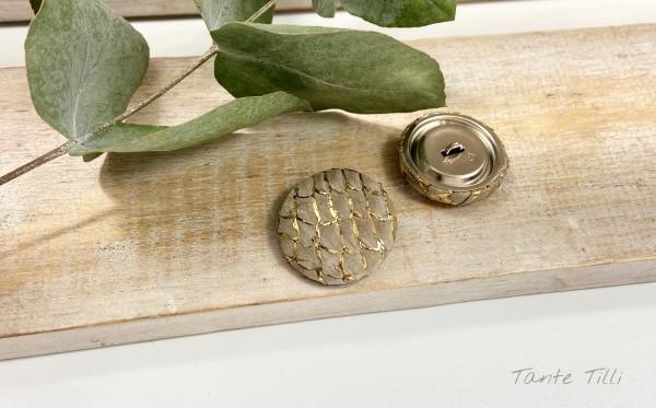 Handgefertigter Knopf beige gold 23 mm Fischleder