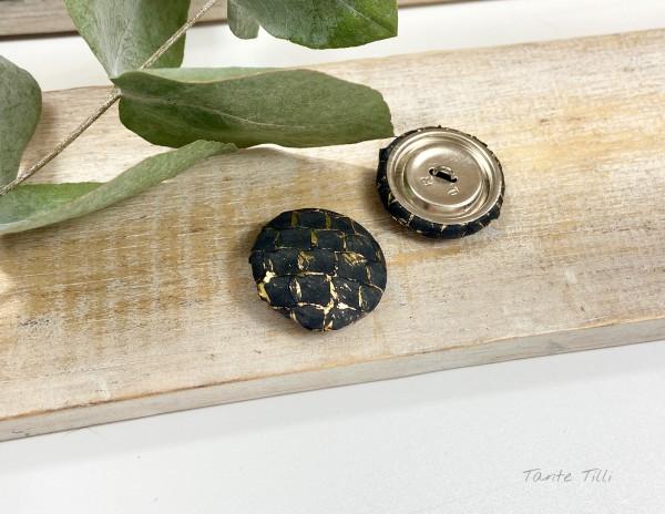 Handgefertigter Knopf schwarz gold 23 mm aus Fischleder